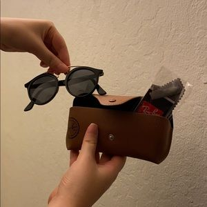 Raybans with Case (NWOT)
